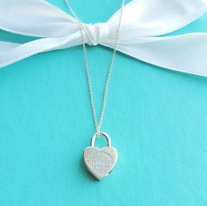 Heart padlock pendant necklace